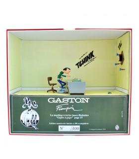 """Gaston Lagaffe """"La machine à écrire lance fléchettes"""""""